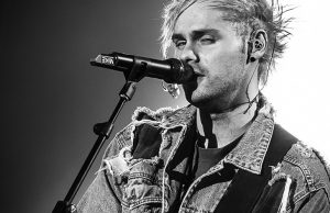 5-seconds-of-summer-sportpaleis-2016-13
