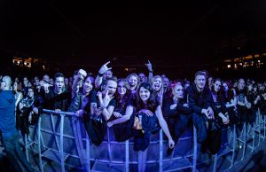 arch-enemy-lotto-arena-2015-4
