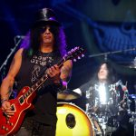slash-featuring-myles-kennedy-the-conspirators-1