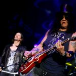 slash-featuring-myles-kennedy-the-conspirators-3