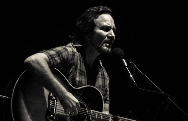 eddie-vedder-lotto-arena-2017-6