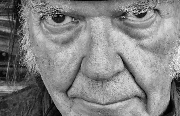 46 jaar na originele opnames komt Neil Young met 'Homegrown'