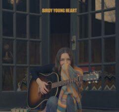 Birdy kondigt albumrelease 'Young Heart' aan voor 30 april! Concerts byidy