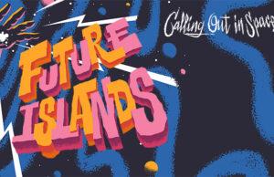 """Future Islands live. Dat is die heerlijke, o zo herkenbare stem van frontman Sam Herring. Dat is bezwerende elektropunkpop die uit de boxen knalt. Na een lange, noodgedwongen rustpauze staat Future Islands er weer helemaal. Klaar om hun unieke sound op de wereld én De Roma los te laten. Afspraak met de Calling Out In Space Tour op zondag 20 maart 2022! Tickets voor het concert in De Roma zijn beschikbaar vanaf woensdag 26 mei om 10u. De grote doorbraak voor Future Islands kwam er in 2014 met single """"Seasons"""". Het begin van een turbulente carrière met intussen zes albums en tal van internationale shows op de teller. Met elk nieuw album nestelt Future Islands zich meer en meer in de absolute wereldtop. Met hun herkenbare, catchy elektropop en onweerstaanbare hits als """"Seasons (Waiting On You)"""" en """"A Dream Of You And Me"""" bouwde de band uit Baltimore de voorbije tien jaar een unieke sound uit, waarmee ze moeiteloos naast grootheden als The National of Elbow staan. Toch zijn Sam Herring, Gerrit Welmers en William Cashion altijd zichzelf gebleven. In al hun jaren on the road blijven ze doen waar ze zo goed in zijn: hun hart en ziel uitstorten in ieder nummer dat ze spelen. Hun publiek meenemen naar een universum waar liefde en hoop aan de horizon prijken."""